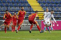 Danel Sinani (Luxemburg #9) erzielt das Tor zum 1:2 / Fussball, UEFA Nations League 2020/21, Saison 2020-2021, 4. Spieltag, Gruppe C / 13.10.2020 /Montenegro - Luxemburg (Crna Gore vs Luxembourg) / Stadion pod Goricom, Podgorica /Foto: Ben Majerus