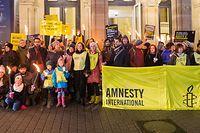 Viele Menschen sind dem Aufruf von Amnesty International gefolgt und haben Solidarität gezeigt.
