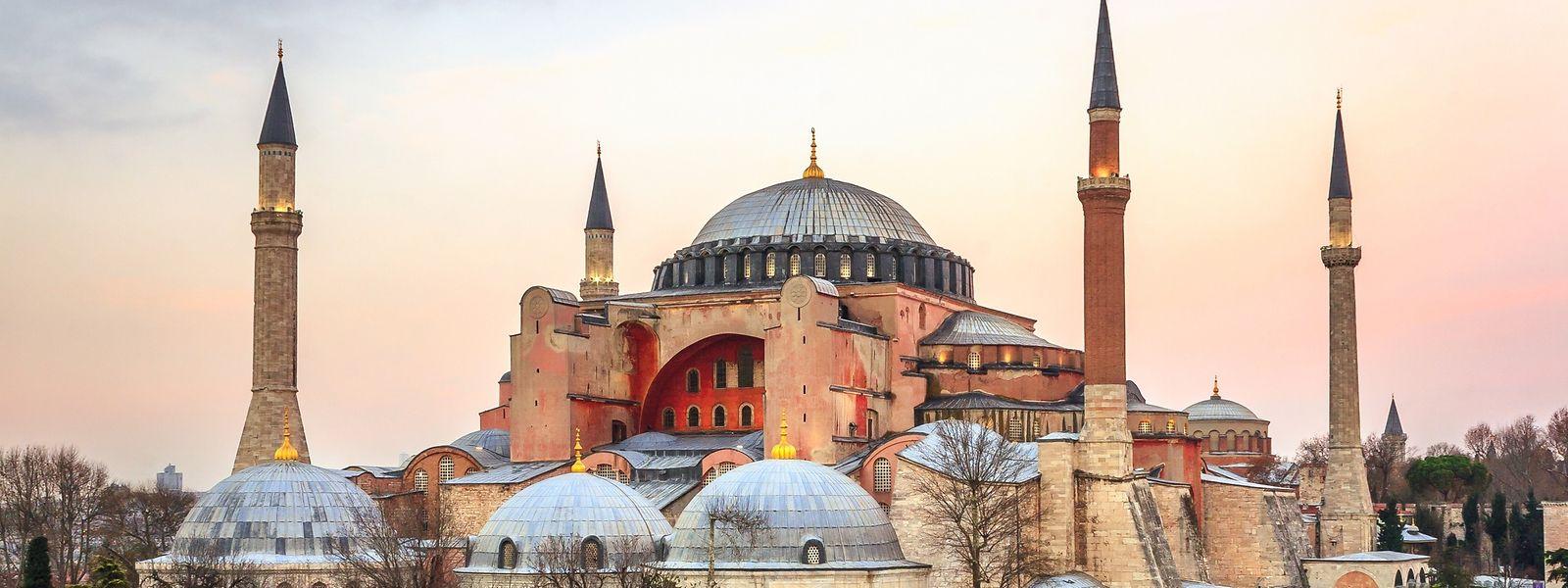 Die Hagia Sophia: Von der Kathedrale zur Moschee zum Museum zur Moschee.