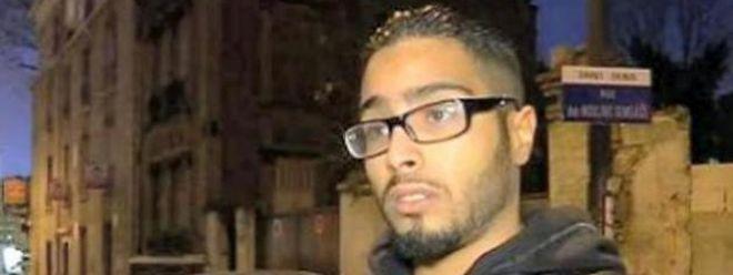 """Jawad Bendaoud avait expliqué à l'AFP juste avant son interpellation en marge de l'assaut avoir hébergé """"pour rendre service"""" deux personnes """"qui venaient de Belgique"""" et """"voulaient juste de l'eau et faire la prière""""."""