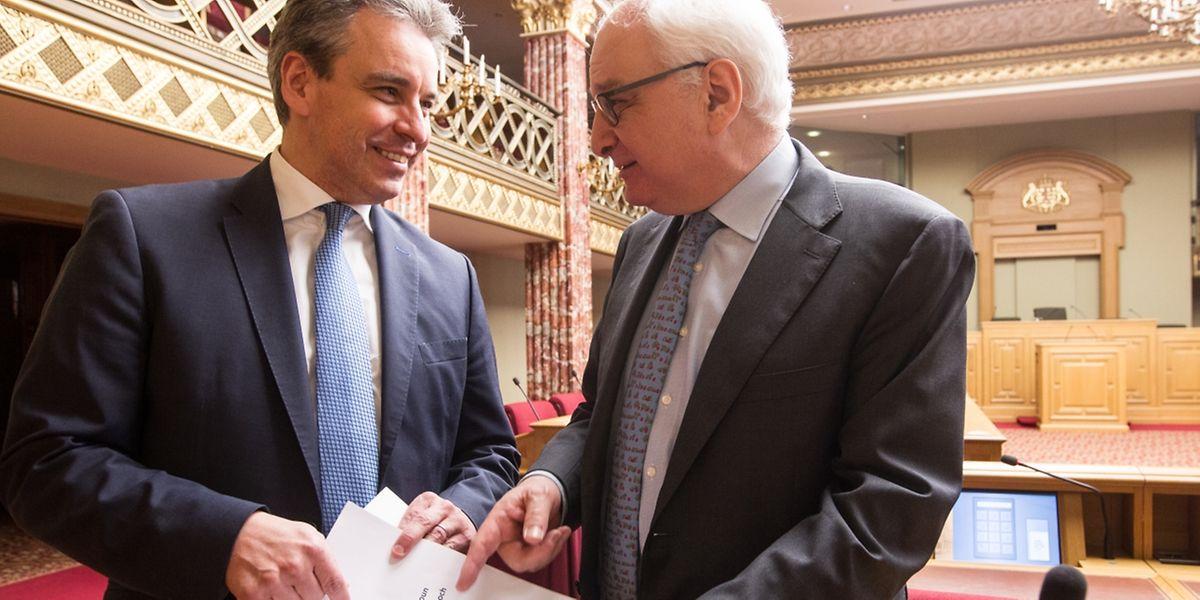 Bildungsminister Claude Meisch (links) und Kulturstaatssekretär Guy Arendt stellten am Donnerstag erste Details der neuen Strategie der Regierung zur Förderung der luxemburgischen Sprache vor.