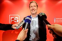 Belgian Socialist Party (PS) chairman Paul Magnette talks to journalists after a meeting of the party on February 2020, in Brussels. (Photo by THIERRY ROGE / BELGA / AFP) / Belgium OUT