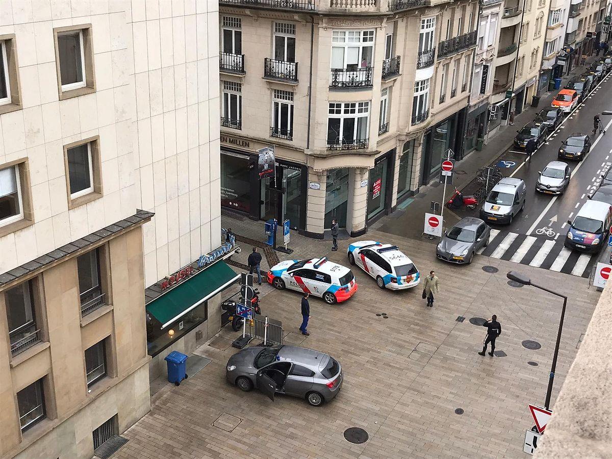 Die Polizei war an der Kreuzung Rue Philippe II. mit der Rue Notre-Dame im Einsatz.