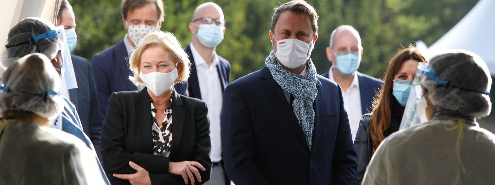 Am Donnerstag besuchten Premier Xavier Bettel und Gesundheitsministerin Paulette Lenert eine der acht Covid-Teststationen, die am Bouillon eingerichtet wurde.