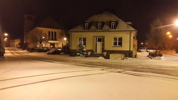 In Heinerscheid lagen gegen 22.30 Uhr drei bis vier Zentimeter Schnee.