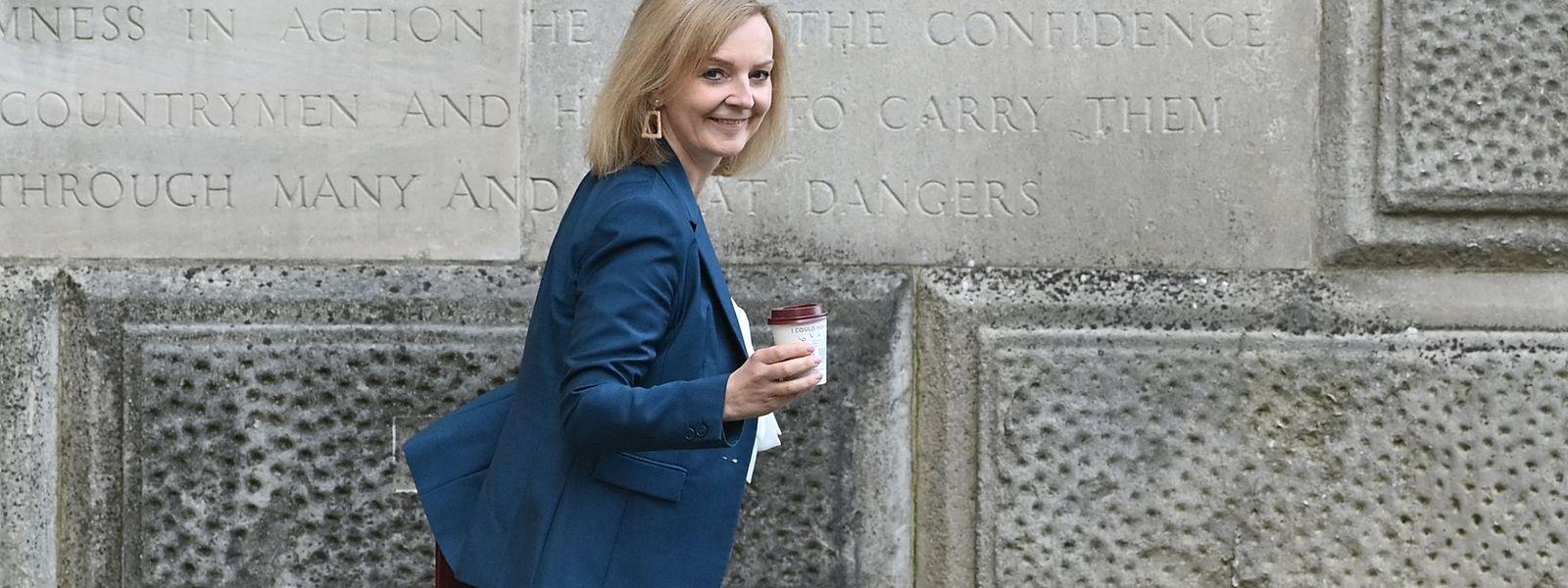 Als Liz Truss vergangene Woche die Downing Street 10 als neue Chefdiplomatin verlässt, spricht ihr Ausdruck Bände: Sie hat ein zufriedenes Lächeln auf dem Gesicht.