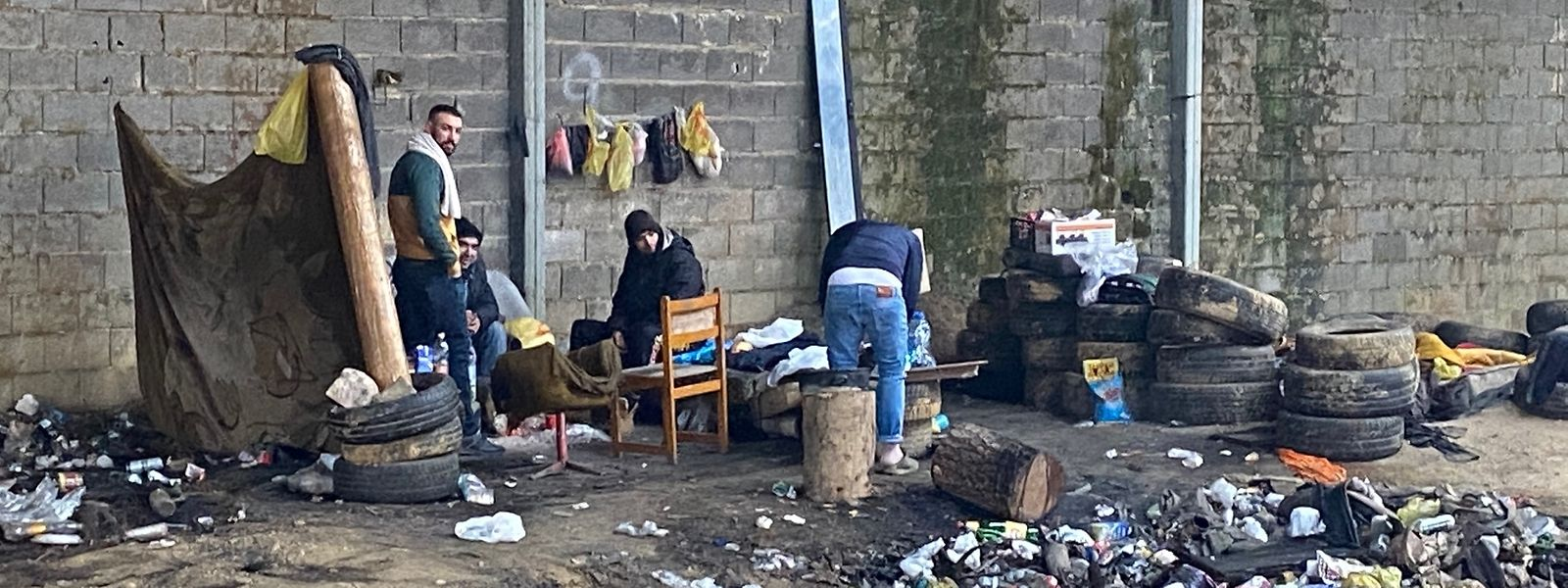 Im Nordwesten von Bosnien-Herzegowina, in der Stadt Velika Kladusa, leben Flüchtlinge unter erbärmlichen Bedingungen.