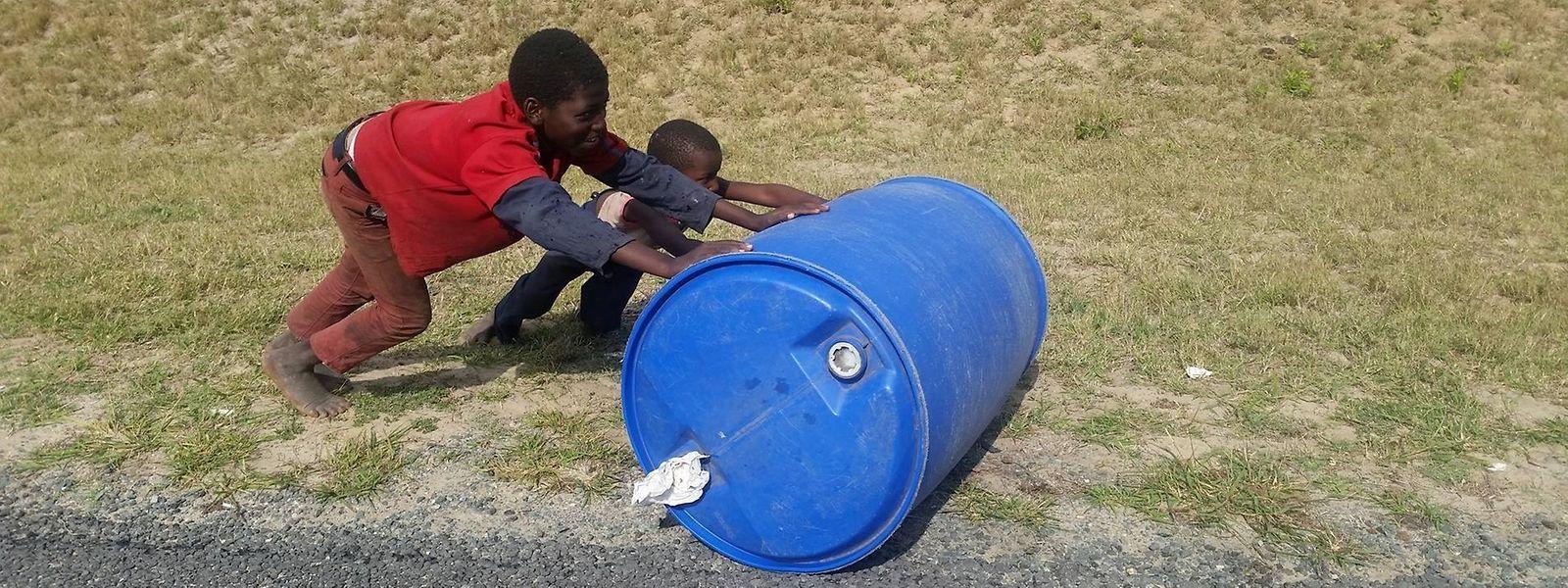 """Bilder wie dieses führten zur Gründung von """"Izulu Water"""" von Yasmine Hémès: Jeder sollte Zugang zu sauberem Wasser haben – an seinem Wohnort."""
