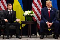 US President Donald Trump and Ukrainian President Volodymyr Zelensky meet in New York on September 25, 2019, on the sidelines of the United Nations General Assembly. (Photo by SAUL LOEB / AFP)