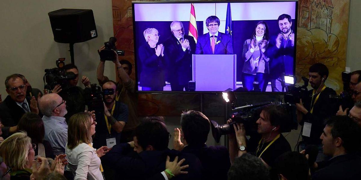 Puigdemont wandte sich per Live-Schaltung an seine Anhänger.