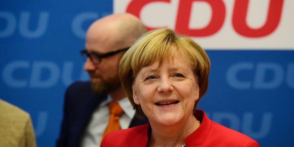 """Angela Merkel tritt ein viertes Mal als Kanzlerkandidatin an. Sie hat über die Entscheidung """"Stunden um Stunden"""" nachgedacht, sagt sie."""