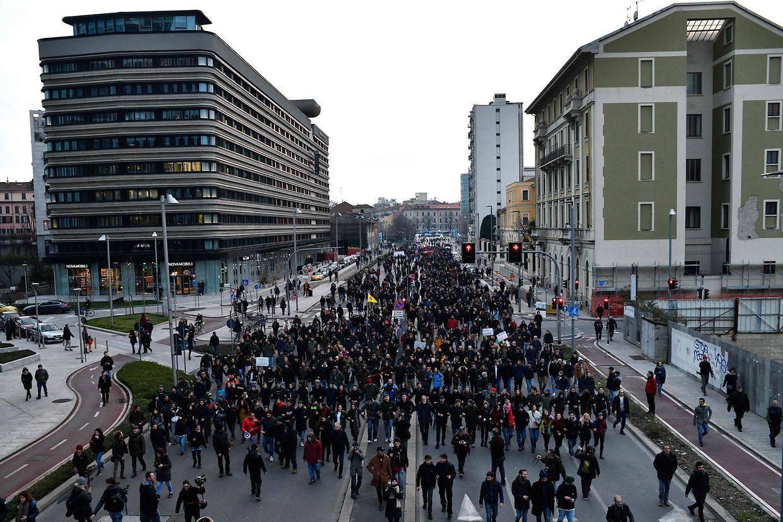 Vielerorts gab es am Samstag in Italien anti-Faschismus und anti-Rassismus Demonstrationen, um gegen die Politik der Lega Nord zu protestieren.