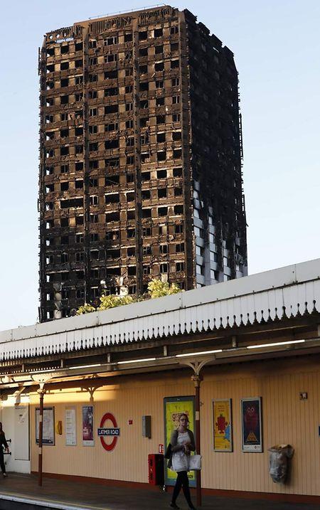 Der Turm brannte in der Nacht auf Mittwoch völlig aus.