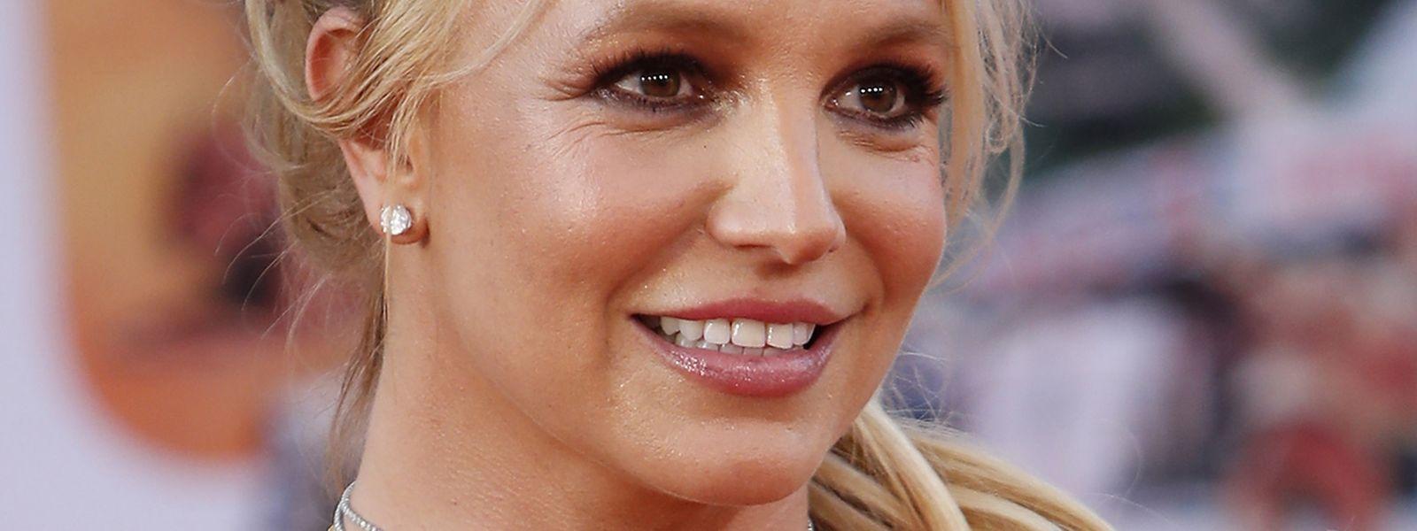 Am Telefon las Spears das mit heftigen Vorwürfen gegen ihre Familie und ihre Betreuer gespickte Statement ab.
