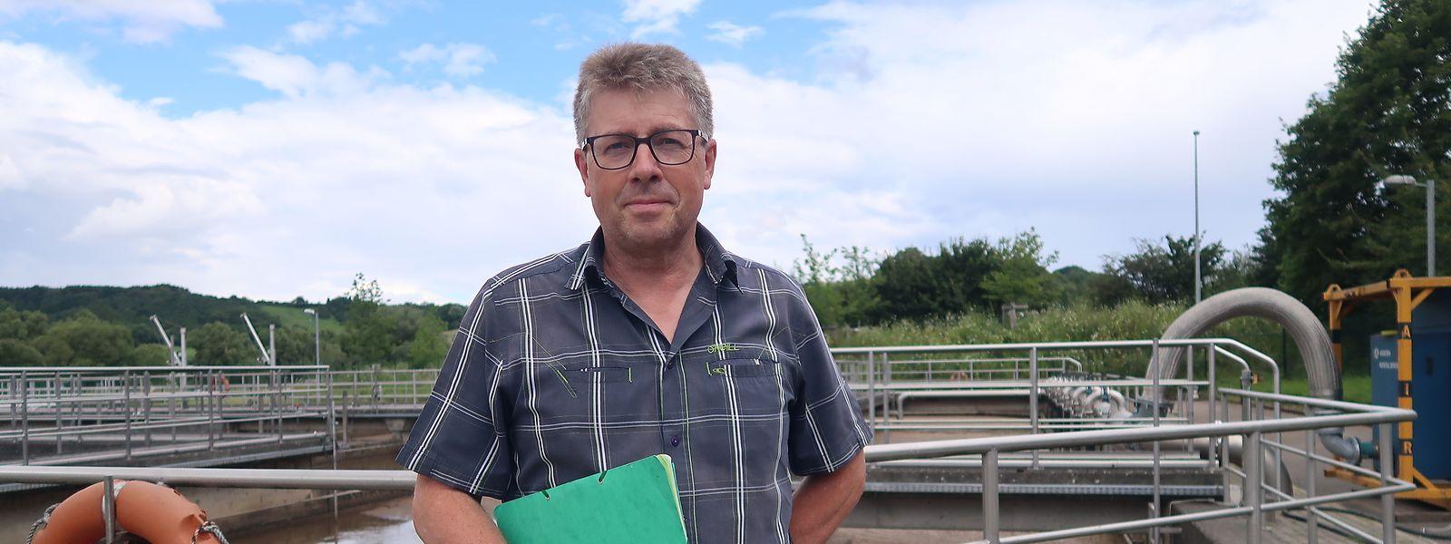 Sidest-Direktor Jean-Marie Ries ist froh, dass die Klärbecken fünf Tage nach dem Hochwasser wieder betriebsbereit waren.