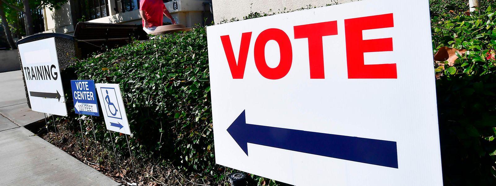 Aufgrund von Corona ist es in vielen US-Bundesstaaten möglich, vor dem 3. November zu wählen. Mehr als 17 Millionen US-Amerikaner haben bis Freitag bereits von dieser Möglichkeit profitiert.