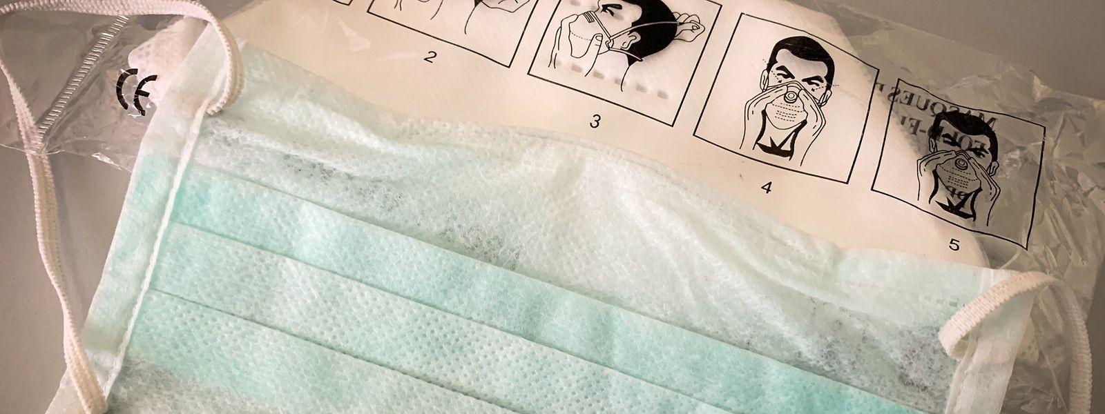 Chirurgischer Mundschutz schützt Träger nicht vor Infektion.