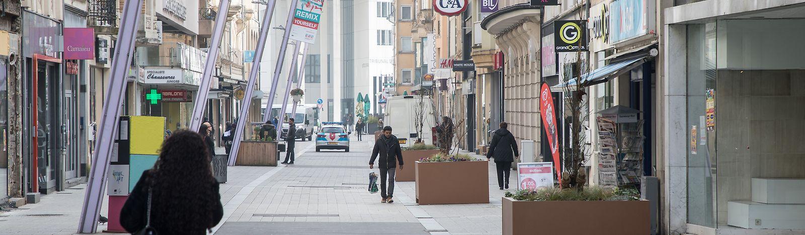 In der Rue de l'Alzette sind die meisten Lokale in privaten Händen. Deshalb wird nur ein Lokal vom Nachlass seiner Miete durch die Gemeinde profitieren können.
