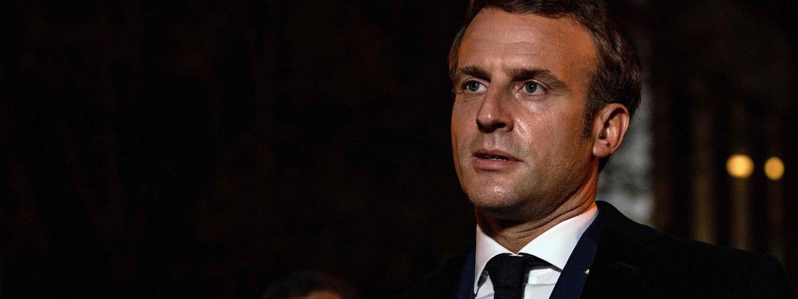 Der französische Präsident Macron stellt sich hinter die Satire- und Meinungsfreiheit.