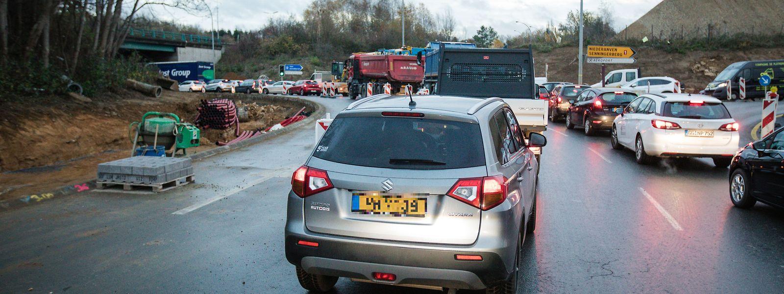 Blockierte Ausfahrten gelten als Hauptgrund für den Stillstand im Kreisel.