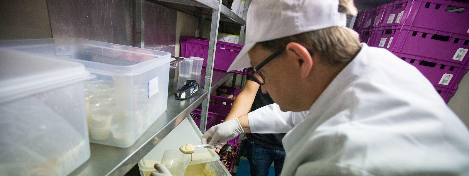 Chaque année, près de 2.000 contrôles sont réalisés dans les cafés, restaurants, supermarchés, grossistes, meuneries, torréfacteurs, embouteilleurs, etc.