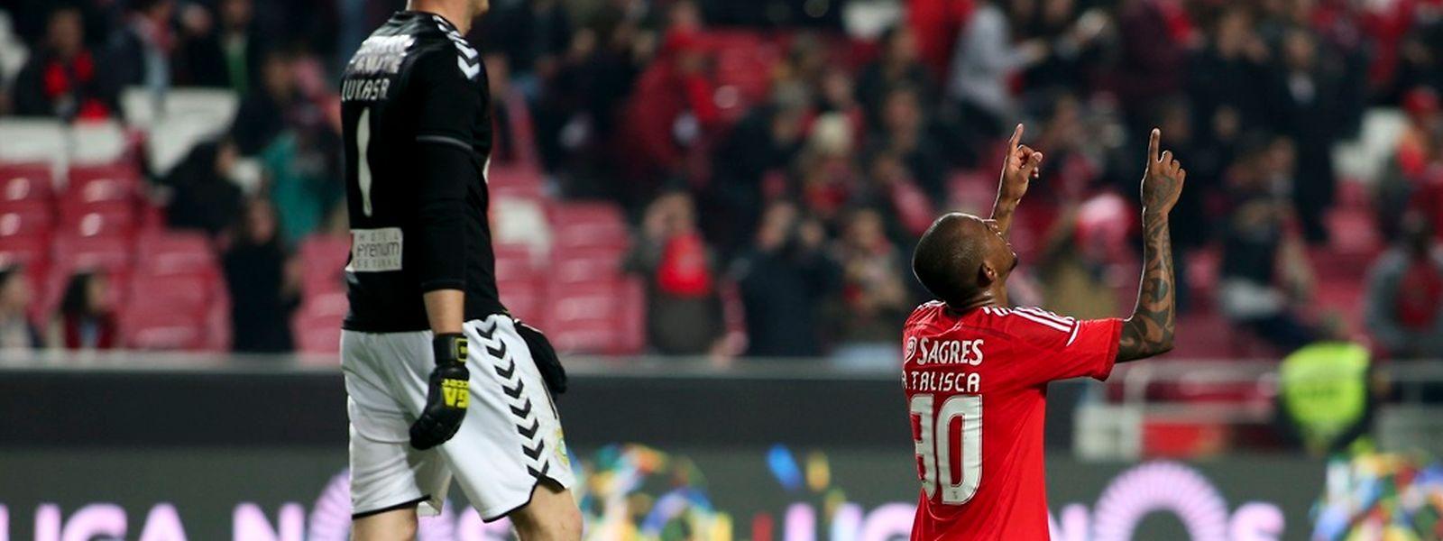Talisca celebra o golo contra o Vitória de Setúbal
