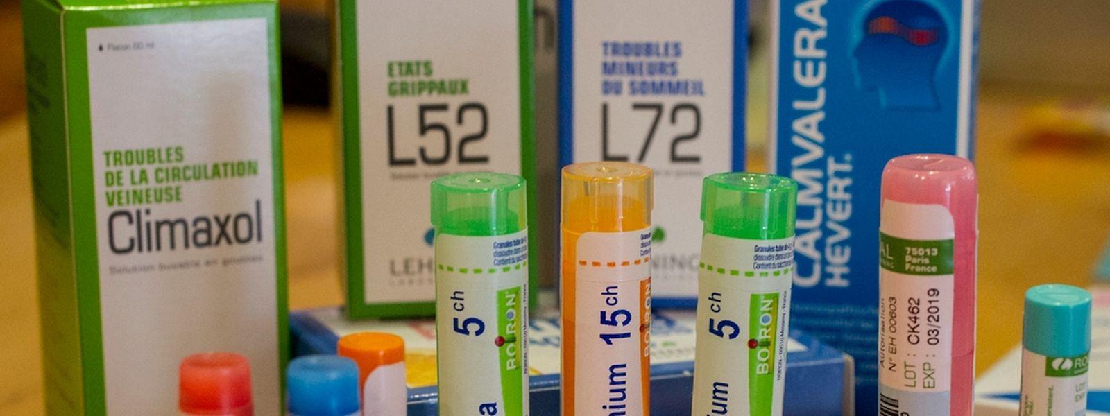 """Homöopathische """"Globuli"""" sind kleine Pillen aus Milchzucker, die aufgrund der extrem hohen Verdünnung der Ausgangssubstanz meist gar keine Wirkstoffe enthalten."""