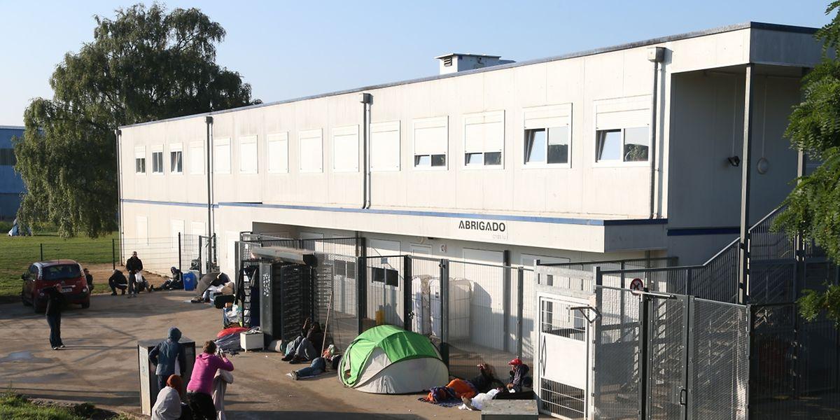 """Das """"Abrigado"""" besteht seit 2005 als kombinierte Tages- und Übernachtungseinrichtung."""