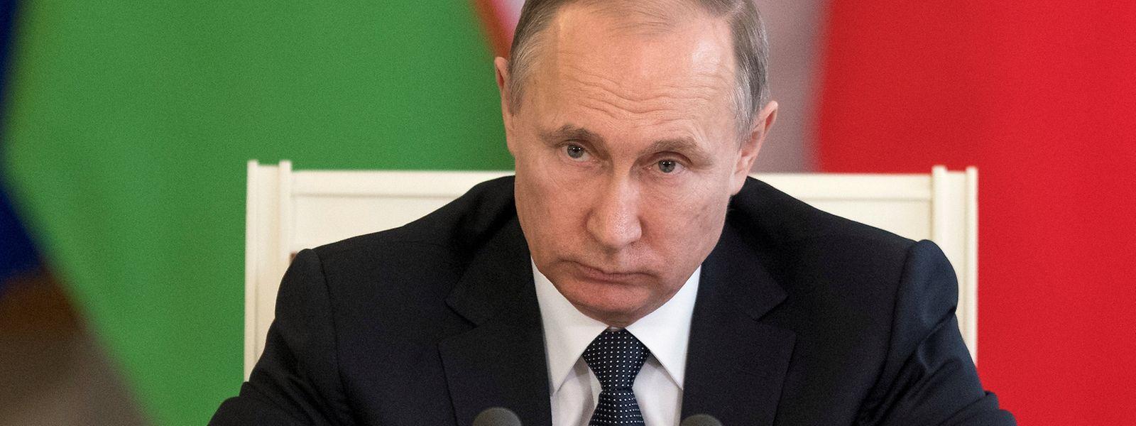 """Wladimir Putin spricht im Zusammenhang mit dem Raketenangriff von einem """"erdachten Vorwand""""."""