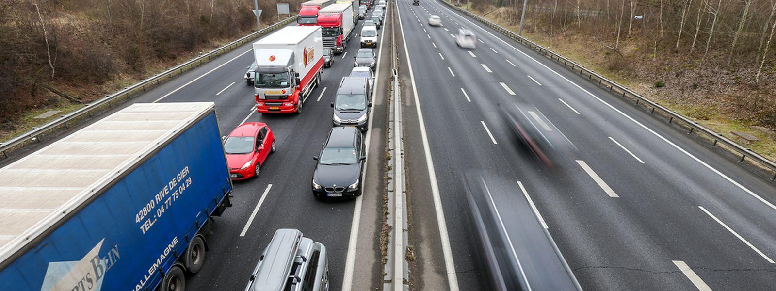 Auf der A6 in Richtung Belgien staute sich am Nachmittag der Verkehr.