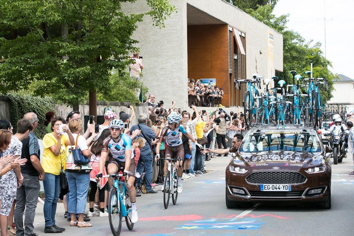 Die Tour de France fuhr direkt an dem Europamuseum in Schengen vorbei, wo der Gipfel der Großregion stattfand.
