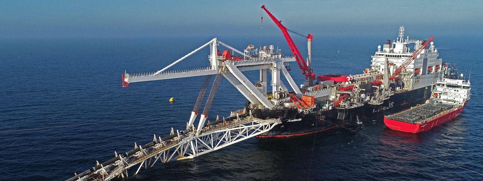 Die Pipeline ist nur Wochen vor der Fertigstellung. Die Schiffe könnten auf dem Weg nach Hause sein, wenn Sanktionen greifen.