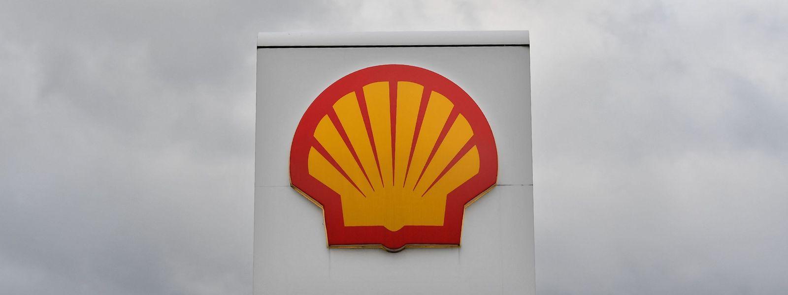 Ein Gericht in Den Haag hatte das Ölunternehmen Shell Ende Mai zu schärferen CO2-Zielen verpflichtet.