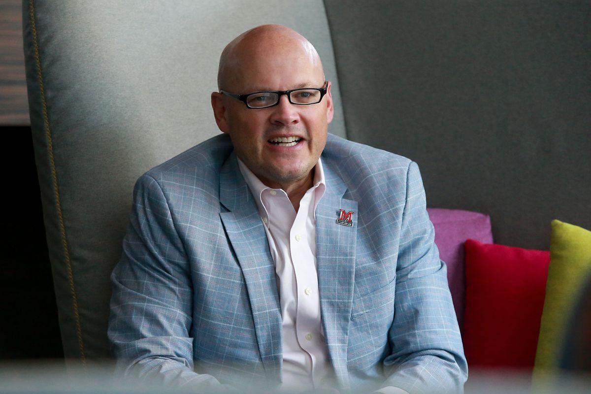 """Gregory P. Crawford, Präsident der """"Miami University"""", ist überzeugt vom Standort Luxemburg und mag ebenfalls die einheimische Kost."""
