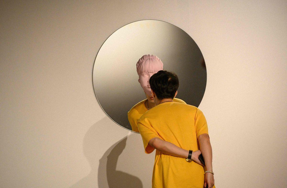 Der Perspektivwechsel in Bangkok ist garantiert – mit den Werken des thailändischen Künstlers Gongkan.