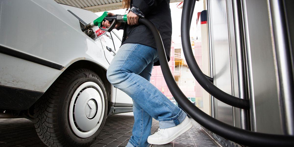 Se fournir en essence coûtera plus cher à partir de ce samedi 4 novembre.