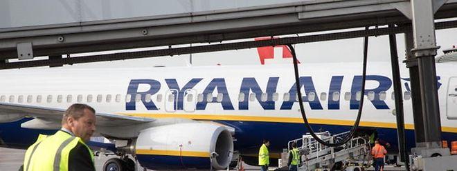 Eine Maschine der irischen Billigfluggesellschaft Ryanair auf dem Findel.