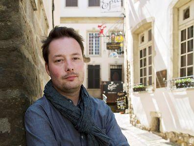 """Tom Hillenbrand stellt am Dienstag seinen neuen Roman """"Gefährliche Empfehlungen"""" vor."""