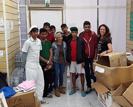 Kos Solidarity volunteers with refugees from Pakistan