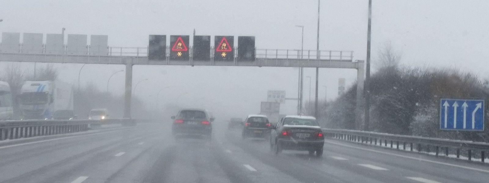 Au sud comme au nord du Luxembourg, pluie verglaçante et neige tomberont entre  3 heures du matin et 10 heures.