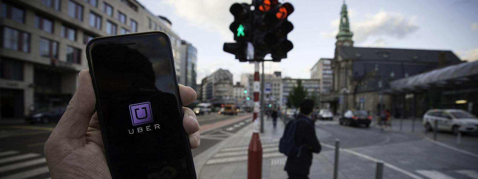 """Uber hat sich eigenen Angaben zufolge zum Ziel gesetzt, überall auf der Welt """"bezahlbare, verlässliche und sichere Fahrdienste per Knopfdruck"""" anzubieten und würde auch gerne hierzulande aktiv werden."""