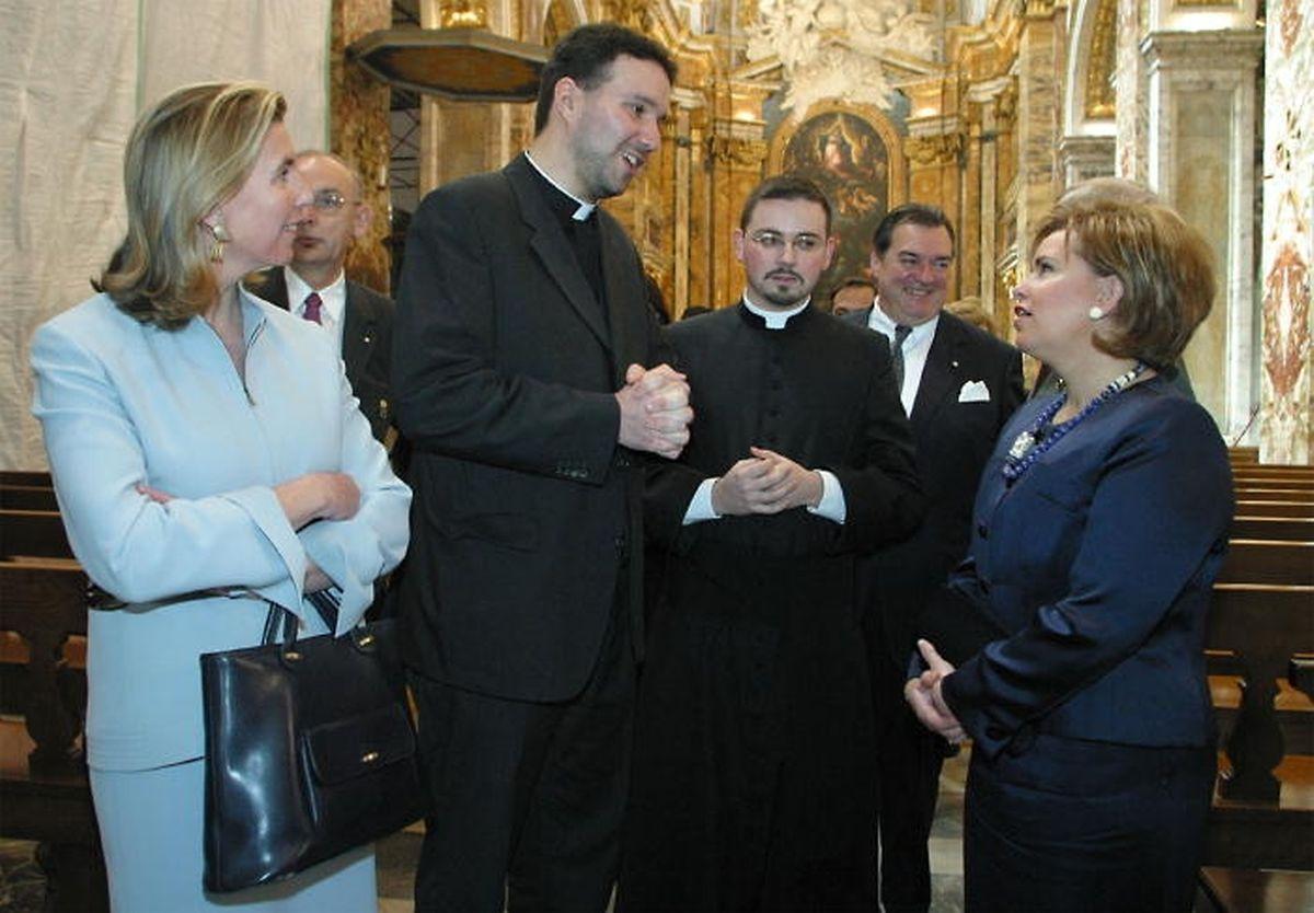 En 2003, Paul Galles accueille en l'église San Luigi dei Francesi, en plein coeur de Rome, la Grande Duchesse et Lydie Polfer lors d'une visite d'Etat.