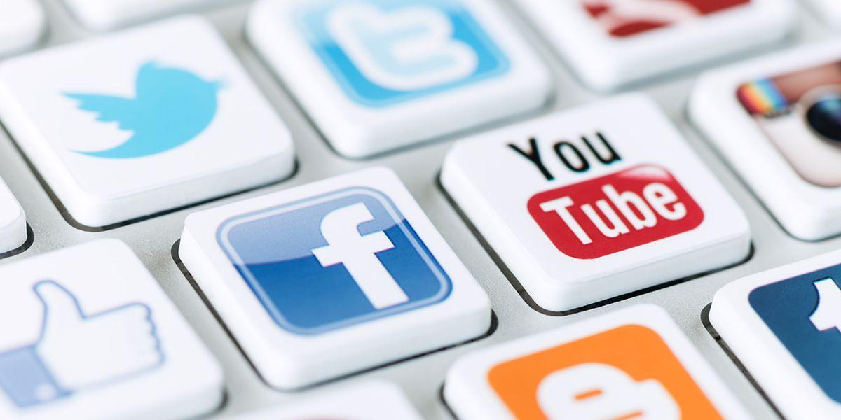 Les utilisateurs actifs de réseaux sociaux peuvent passer jusqu'à 2h par jour à surfer dessus.