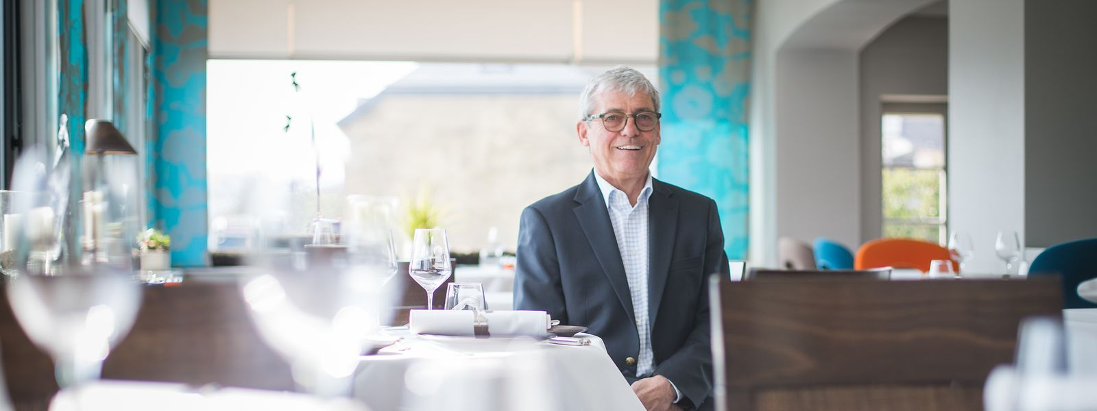 Gérard Mathes freut sich über die Auszeichnung, die er für 45 Jahre im Beruf erhalten hat.