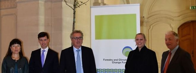 Françoise Thoma (BCEE), Kaspar Wansleben (FCCF), Pierre Gramegna, Carole Dieschbourg e Kenneth Hay (FCCF)