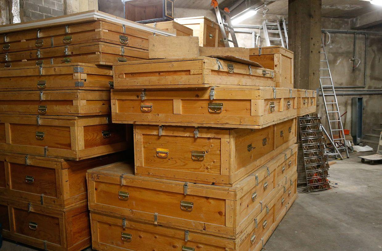 Bis einige Tage vor Beginn der Oktave war der Votivaltar in vielen großen und kleinen Holzkisten verstaut.