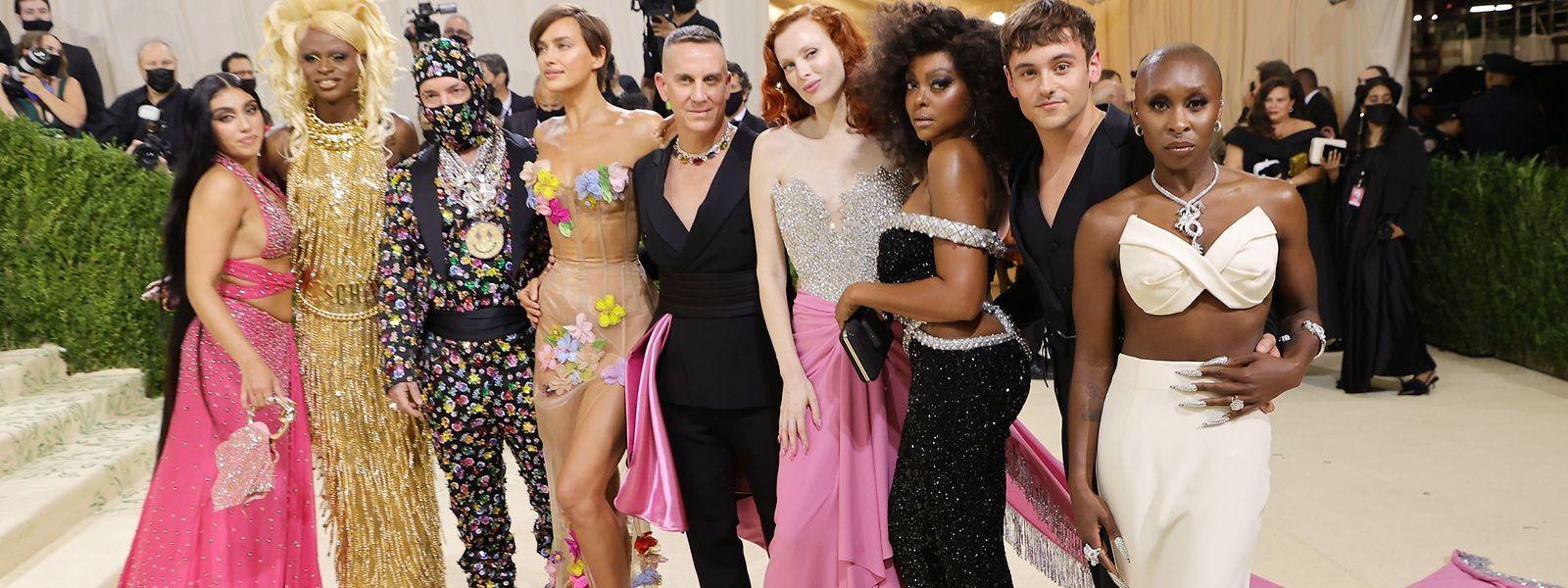 (von links): Lourdes Leon, Symone, J Balvin, Irina Shayk, Jeremy Scott, Karen Elson, Taraji P. Henson, Tom Daley und Cynthia Erivobei der Met-Gala 2021.