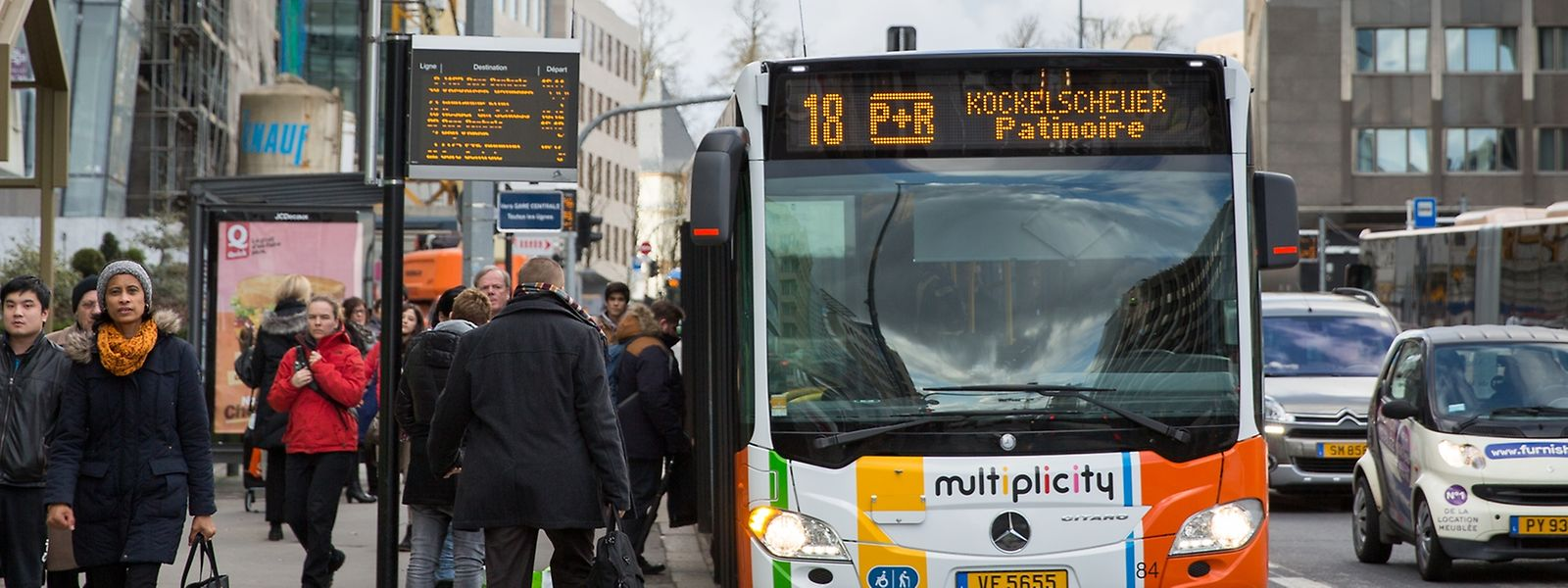 Mit dem öffentlichen Transport fahren spart nicht jedem Zeit, dagegen aber Nerven.