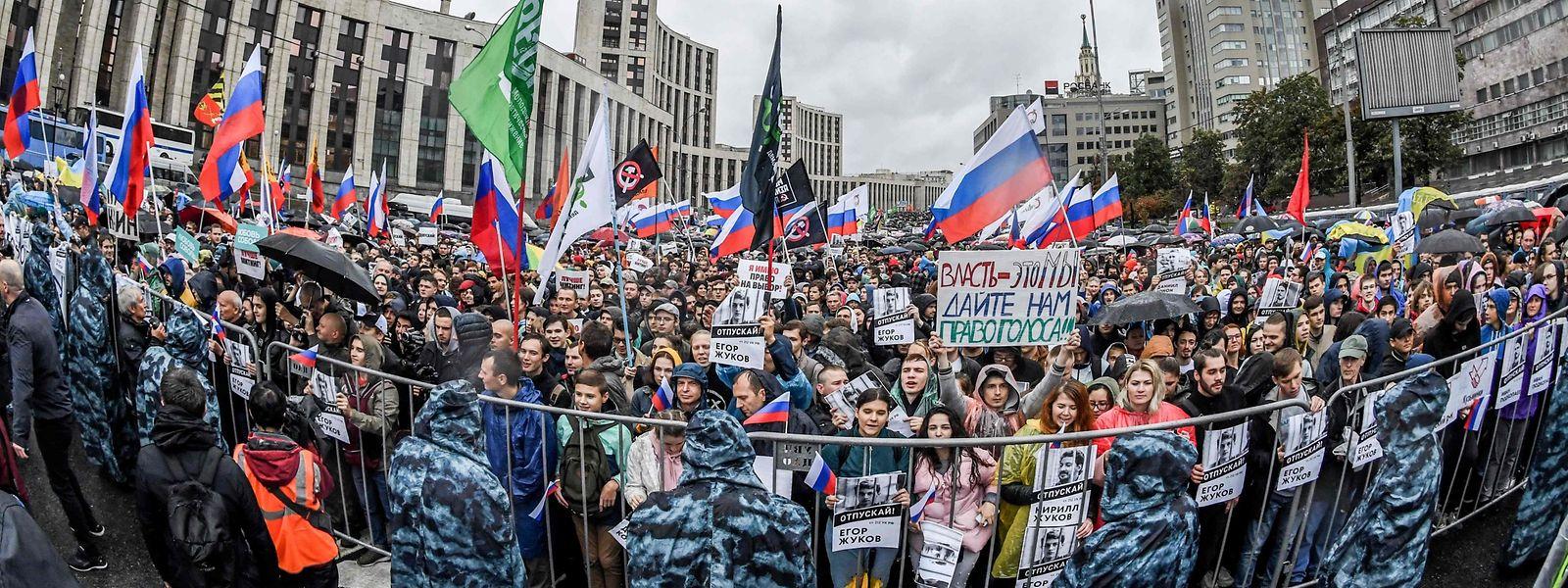 Zehntausende Teilnehmer nahmen an der Kundgebung teil.