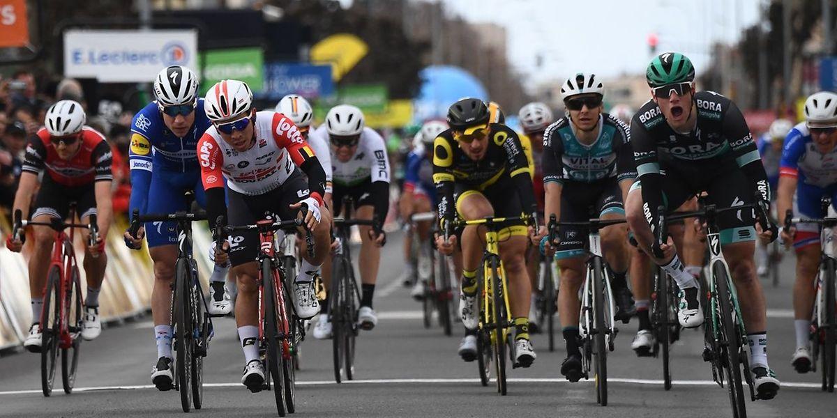 Sam Bennett renoue avec la victoire sur les routes de Paris-Nice.